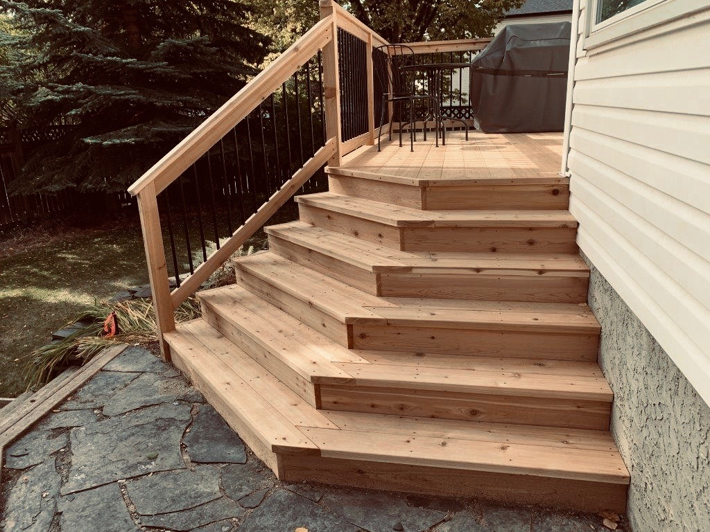 Deck design with angled steps